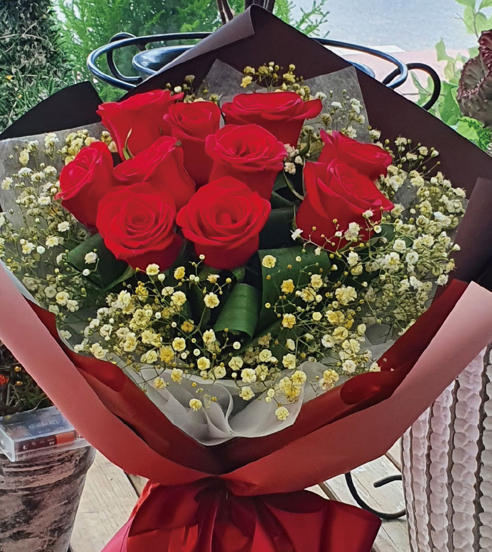 10 red roses to korea